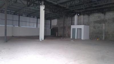 BARRACÃO RUA TADEU MILAN - JARDIM SABIÁ